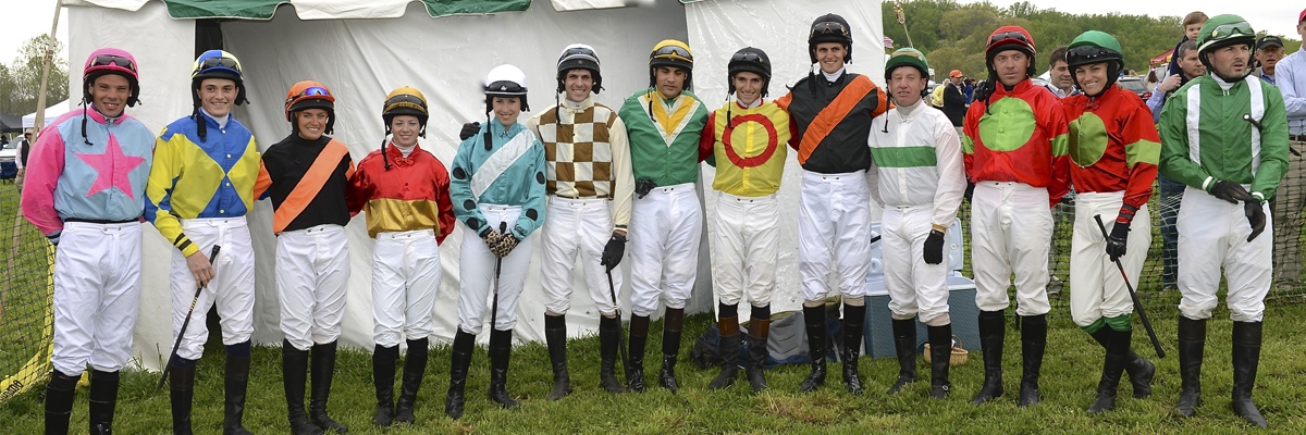 2016 MHC jockeys line up for their traditional photo